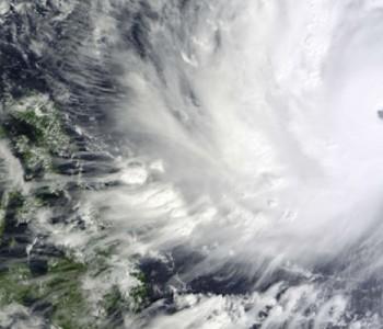 Filipini u strahu dočekuju snažni tajfun
