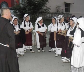 FOTO: članovi KUD-a Rama nastupili u Sinju na Čoji uoči Sinjske alke