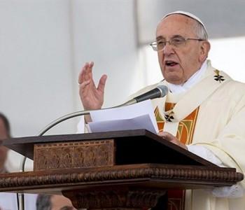 Papa odbacio latinski jezik