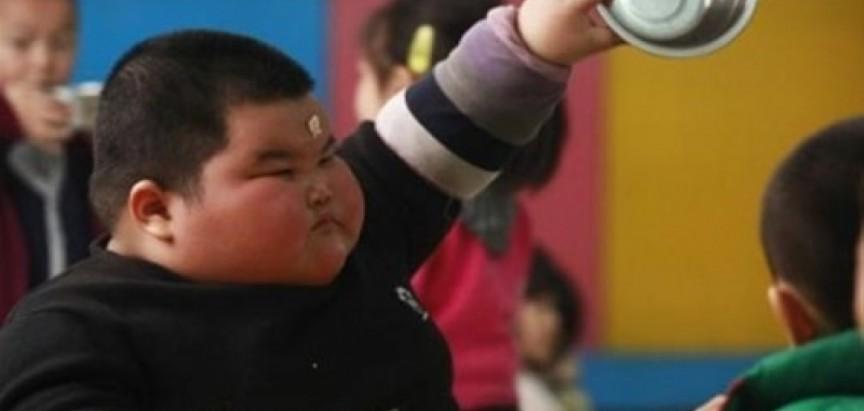 Spriječite pretilost kod djece, servirajte hranu u manjim posudama