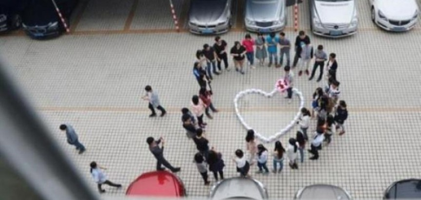 Kinez kupio 99 iPhonea 6 da bi zaprosio dragu, pa dobio nogu