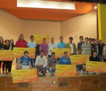 U Domu kulture potpisani ugovori Omladinske banke Prozor-Rama s neformalnim grupama mladih
