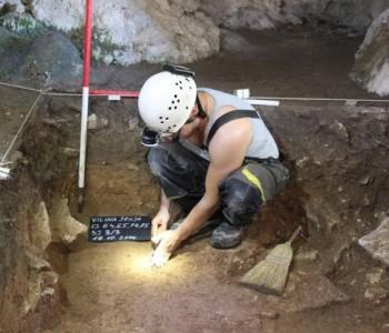 U Vilinoj špilji u Rijeci dubrovačkoj otkriveni brojni nalazi helenističke keramike