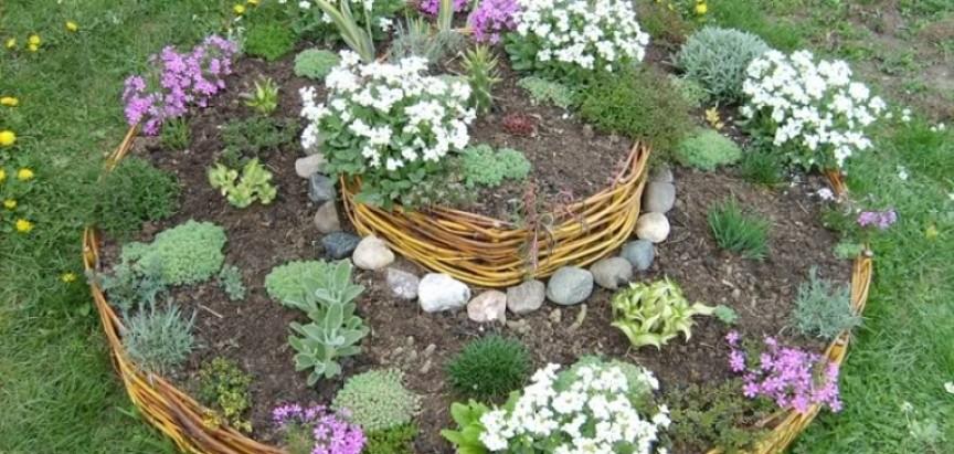 Evo primjera kako napraviti dekorativne saksije za vrt
