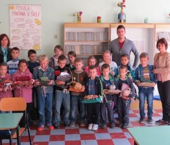 Crveni križ podjelio paketiće u područnim školama Gračanica i Grevići