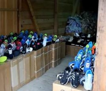 """U akciji """"Znak R"""" privremeno oduzeto 24.000 pari sportske obuće"""