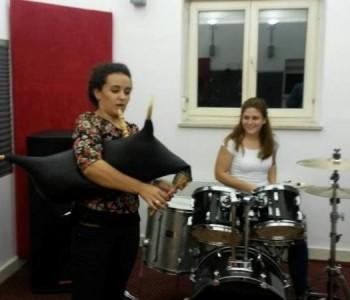 Predstavljamo Anu Papak, ramsku glazbenicu koja svira čak i diple