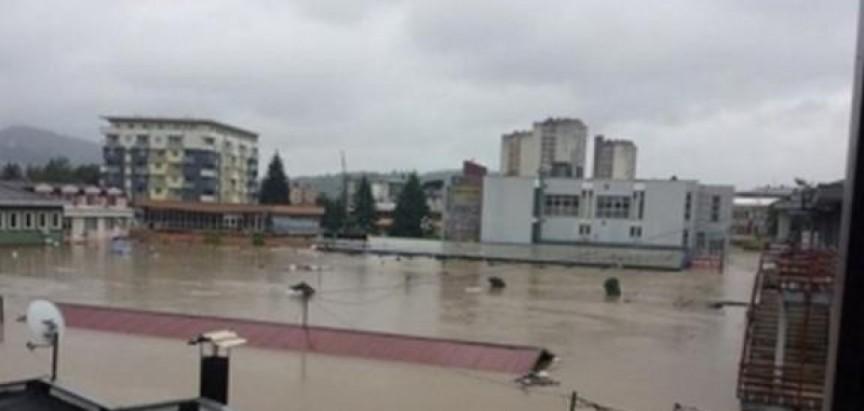 Stravične priče iz Doboja?! 'Vlasti skrivaju 100 leševa u trgovačkom centru