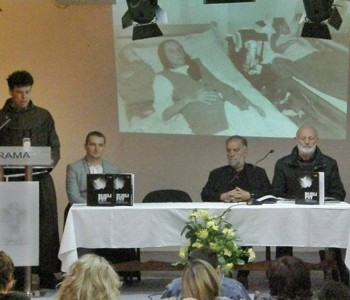 """Foto: Na Šćitu predstavljena knjiga """"Bijeli put, pobjeda dobra u ratu"""""""