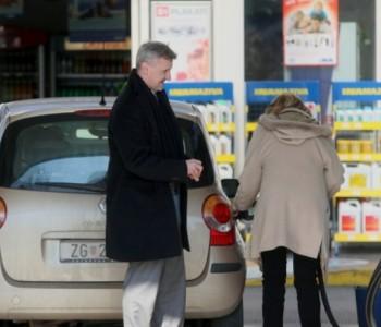 Najveći pad cijena goriva u posljednje četiri godine