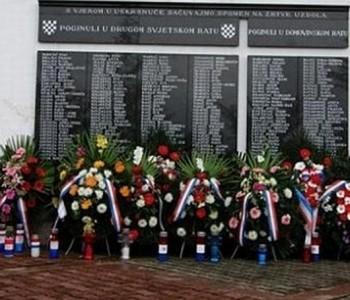FOTO: Obilježena 22. obljetnica stradanja Hrvata na Uzdolu