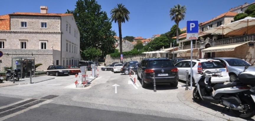 PARKIRANJE NA JADRANU Pula i Rovinj najjeftiniji, Dubrovnik daleko najskuplji