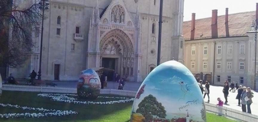 Pogledajte kako izgleda Zagrebačka katedrala u Uskrsnom ozračju