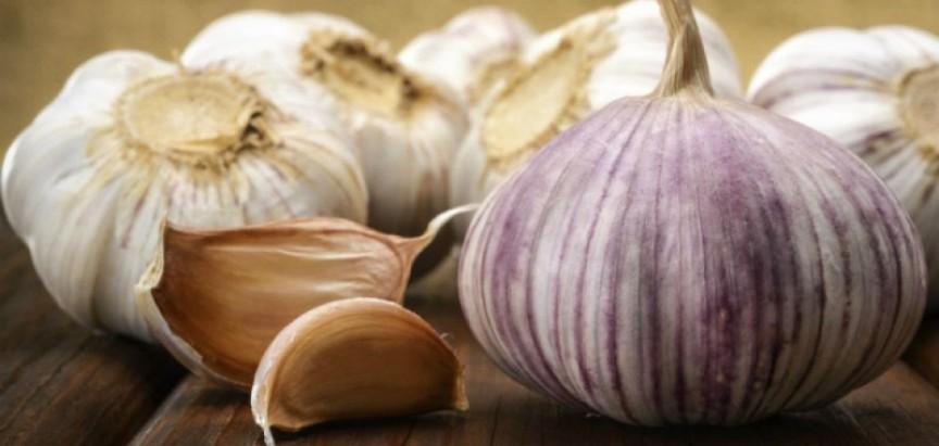 Moćni češnjak: 5 uloga prirodnog lijeka za koje vjerojatno niste čuli