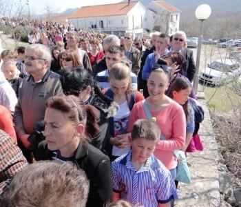 Nastavilo se Pokorničko hodočašće u Svetište Kraljice mira u Hrasno