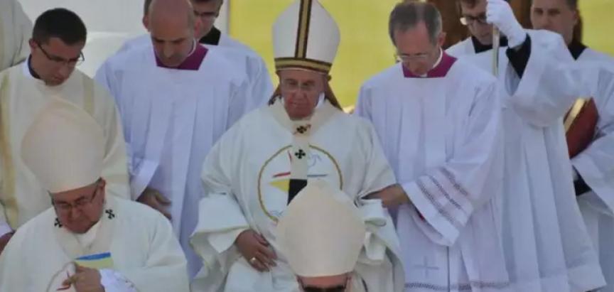 Papa stigao u Ekvador