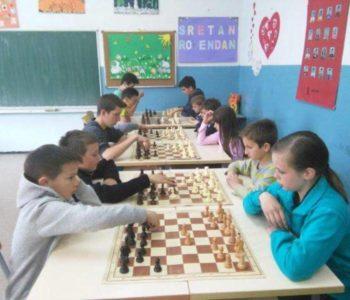 Upis novih članova u školu šaha